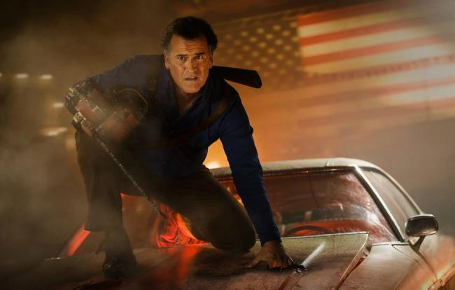 Bruce Campbell schickt sich als Ash in Evil Dead in Rente