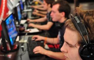 NFHS partners with PlayVS to promote high school esports