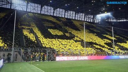 Pro Evolution Soccer 2017 - Borussia Dortmund vs. Schalke 04 @ Signal Iduna Park - Data Pack 2.0 Gameplay