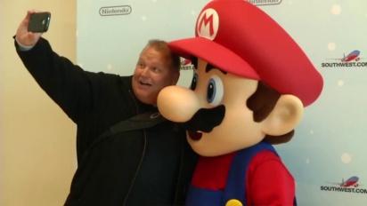 Wii U - Mario Surprises Entire Southwest Airlines Flight with Free Wii U Consoles